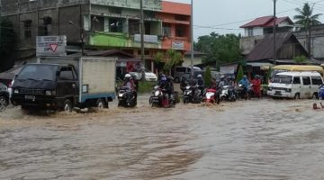 6 Tips Agar Selamat Saat Banjir Melanda